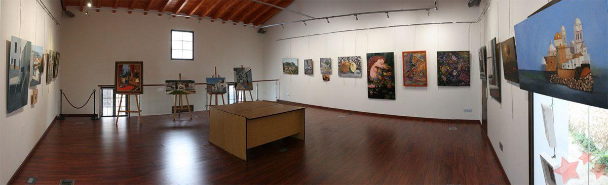 Exposición de Pinturas de María Clavijo