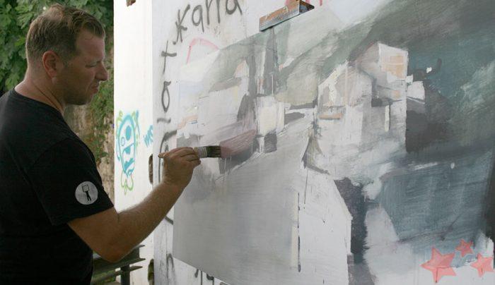 Jaime Juradao realizando su obra
