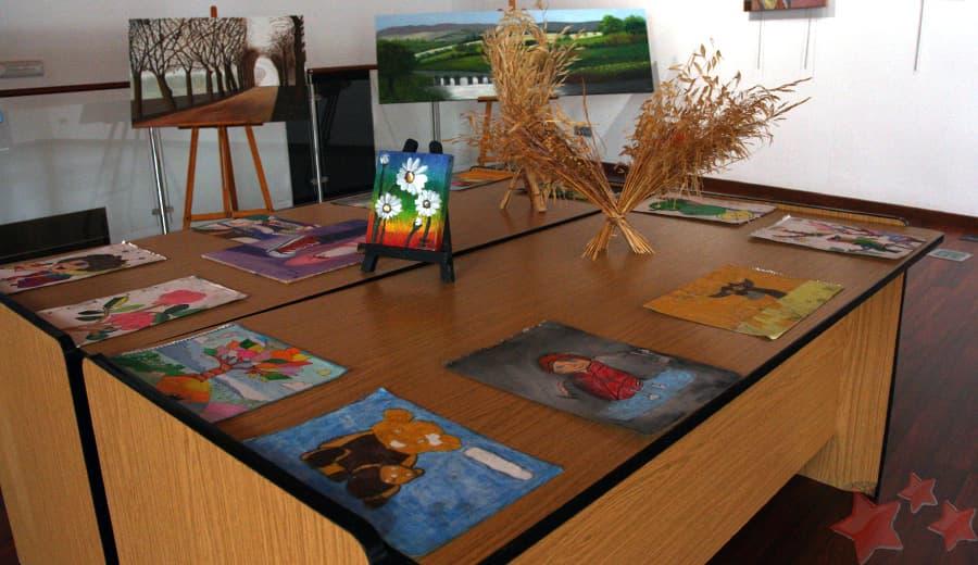Detalle exposición alumnas María Clavijo